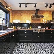 Foto de Homegirl Renovation Management + Design