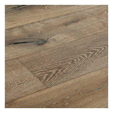 Vanier Engineered Hardwood   European Oak   Gray   9.5in.