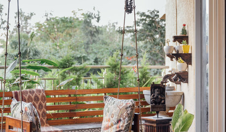 Bangalore Houzz: Indian Art & Handicrafts Sit Snug in a Modern Flat