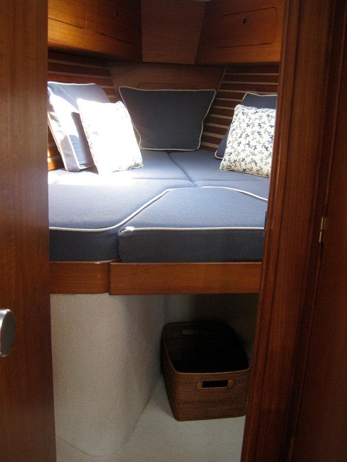Forward Cabin V-Berth