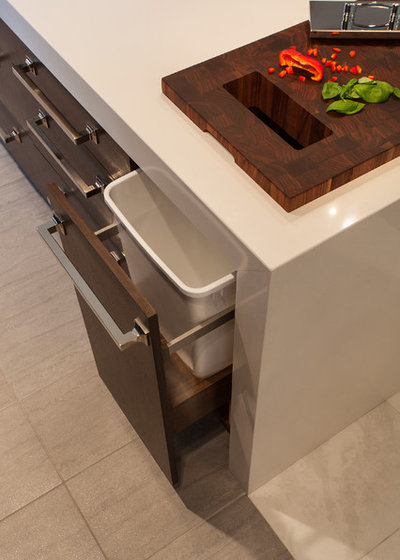 Modern  by Bluebell Kitchens