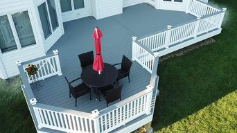 Trex Select Deck with Vinyl Railings and Lighted Post Caps