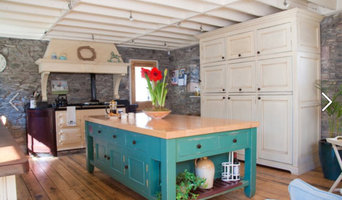 Rustic traditional painted kitchen