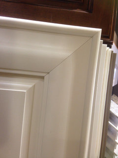 Wood vs mdf custom painted cabinets for Mdf painted cabinet doors