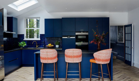 How Rich Colours and Smart Joinery Lifted a Neutral Kitchen
