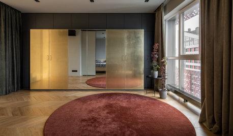 Houzz Украина: Двухуровневая квартира с латунным шкафом