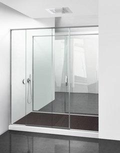 Come posso sistemare un bagno lungo e stretto con finestra for Doccia passante