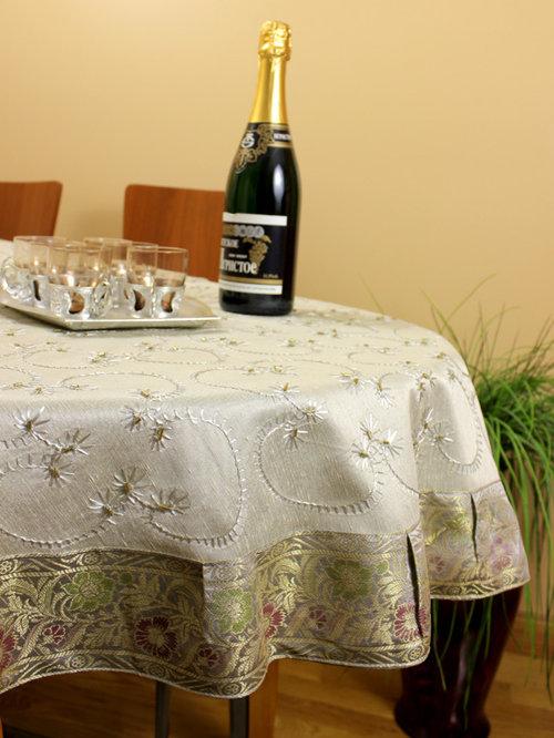 Unique Amp Decorative Tablecloths