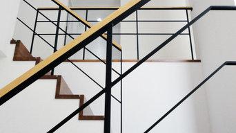 普遍的な直線デザインのロートアイアン手摺