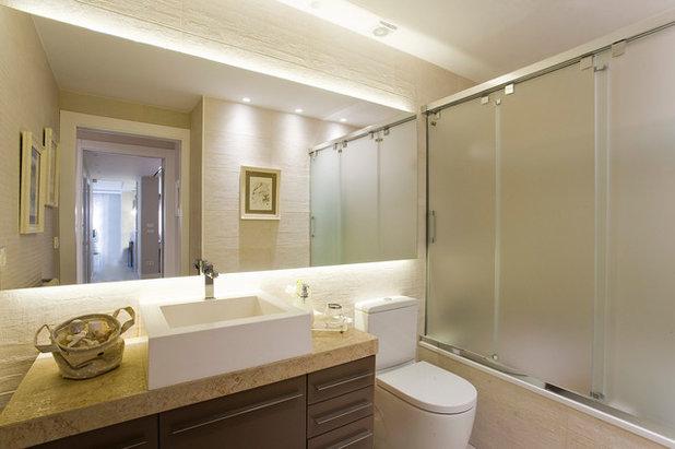 Flash tendencias los espejos retroiluminados conquistan el ba o - Espejo retroiluminado bano ...