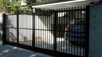 Automatic Trackless Bi-Fold Gates - The Motorised Gate Company