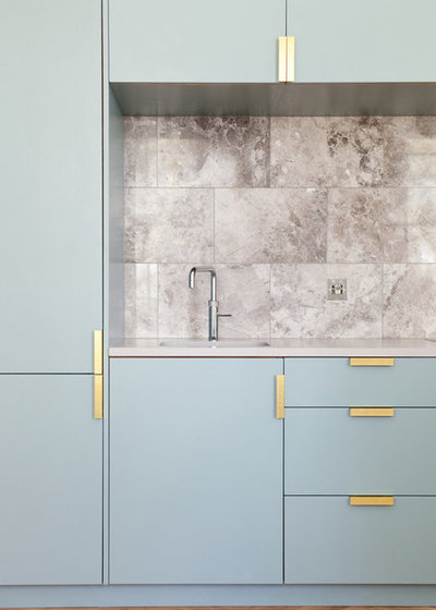 Contemporary Kök by NAKED Kitchens
