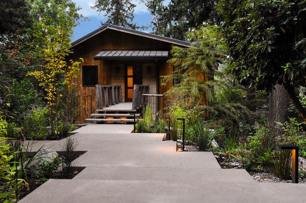 Rustic  by Pistils Landscape Design + Build