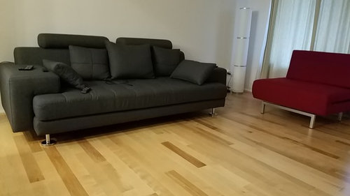 Astonishing Which Color Rug Goes Well With Grey Couch And Red Chair Unemploymentrelief Wooden Chair Designs For Living Room Unemploymentrelieforg