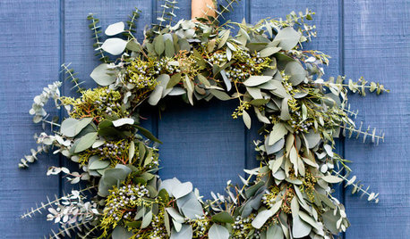 Make a Long-Lasting Eucalyptus Holiday Wreath
