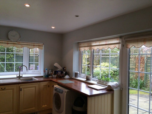 The Kitchen Units Are A Yellowish Cream And The Blinds Are  Yellow/orange/cream Floral......desperate For Some Ideas.....thanks X
