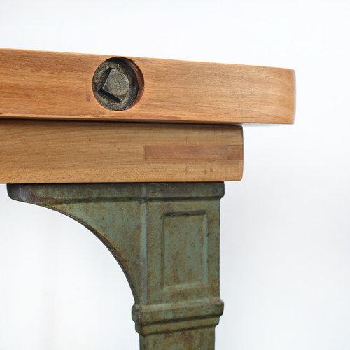 esstisch aus buche mit gussf en. Black Bedroom Furniture Sets. Home Design Ideas