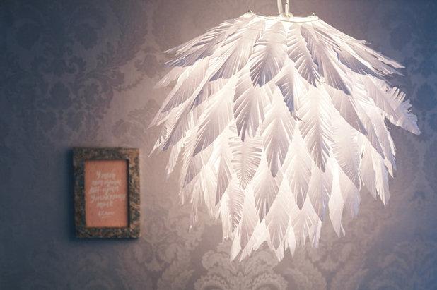 Ikea hack piume ritagliate trasformano una lampada di carta