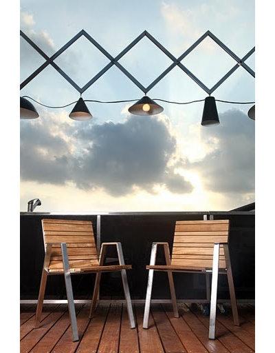 Contemporaneo Illuminazione esterna by Iris Design Studio