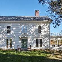 Houzz Tour: Treading Carefully With an 1820 Connecticut Farmhouse
