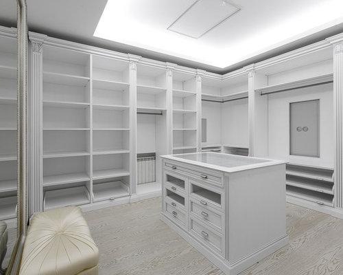 armoires et dressings avec un placard avec porte panneau encastr photos et id es d co d. Black Bedroom Furniture Sets. Home Design Ideas
