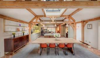 Kitchen - Exposed Beams