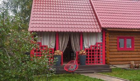 Веранда недели: Летняя терраса в фольклорном стиле на подмосковной даче