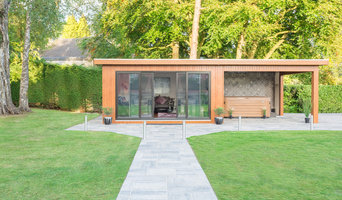 Luxury Garden Room with Jaccuzzi