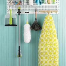 Gør rengøringen lettere med et organiseret kosteskab