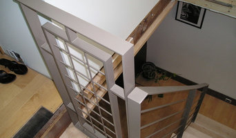 Mesh Screen Wall & Horizontal Bar Railings