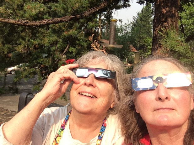 Houzzers Watch the Eclipse from Coast to Coast