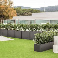 acero decora tu terraza macetas y jardineras para exteriores
