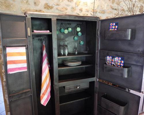 armoire ancienne m tal de cuisine ann es 50. Black Bedroom Furniture Sets. Home Design Ideas