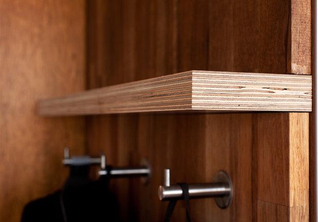 Mit Stauraum und Stil: Ein Schlafzimmer unter der Dachschräge