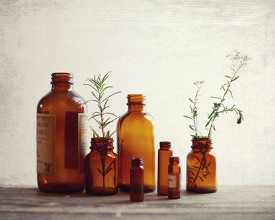Guest Picks: Daily Doses of Apothecary Chic