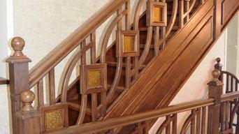 Лестница из дуба с оригинальным ограждением