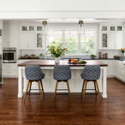 Kitchen - traditional kitchen idea in DC Metro