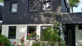 Privathaus mit Fenstern und Haustür von FRESAND