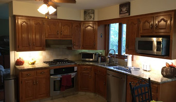Chalk Painted Kitchen Cabinets - Before Picture