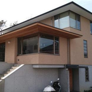 東京都下の和モダンなおしゃれな家の外観の写真