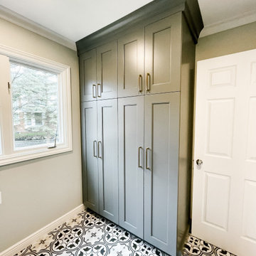 The Pelican Lane Project: Modern Farmhouse Kitchen, Laundry and Mudroom Design