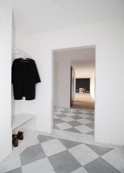 Modern  by Beate Rottwinkel - Architektin