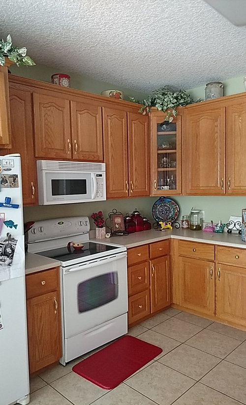 What S Color To Paint Oak Cabinets