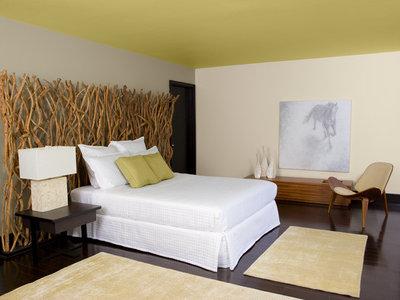 Modern  relaxing bedroom
