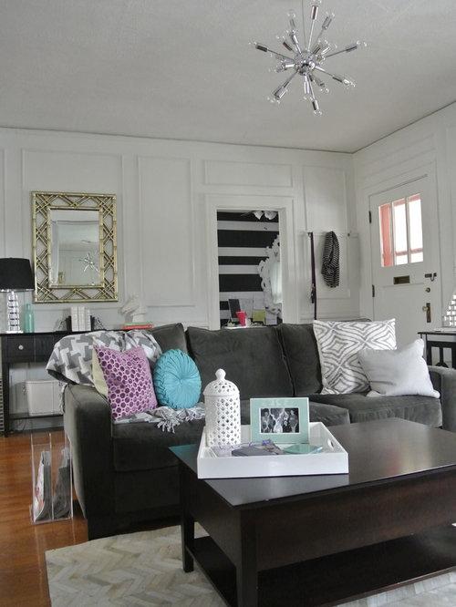 Medium sized omaha living room design ideas renovations for Medium sized living room