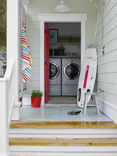 Outside laundry room houzz for Outside laundry designs