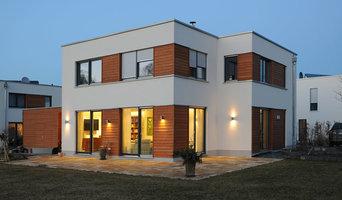 Ein neues Einfamilienhaus mit frischem Lichtdesign
