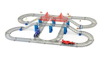 Mukikim Build A Track, The Race