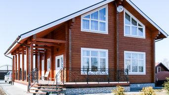 Фасад деревянного дома из клееного бруса