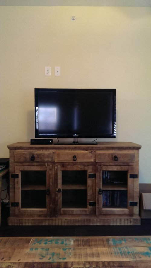 How Would Hanging A Quilt Behind A Tv Look In A Living Room